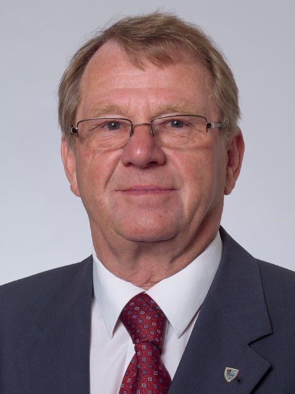 Portraitbild von Günter Weibold