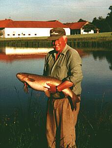 August 2001: Armur - 97cm, 10kg