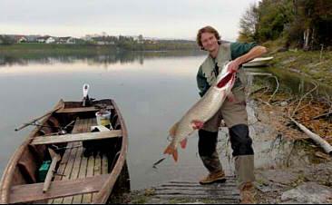 Fischer mit Hecht